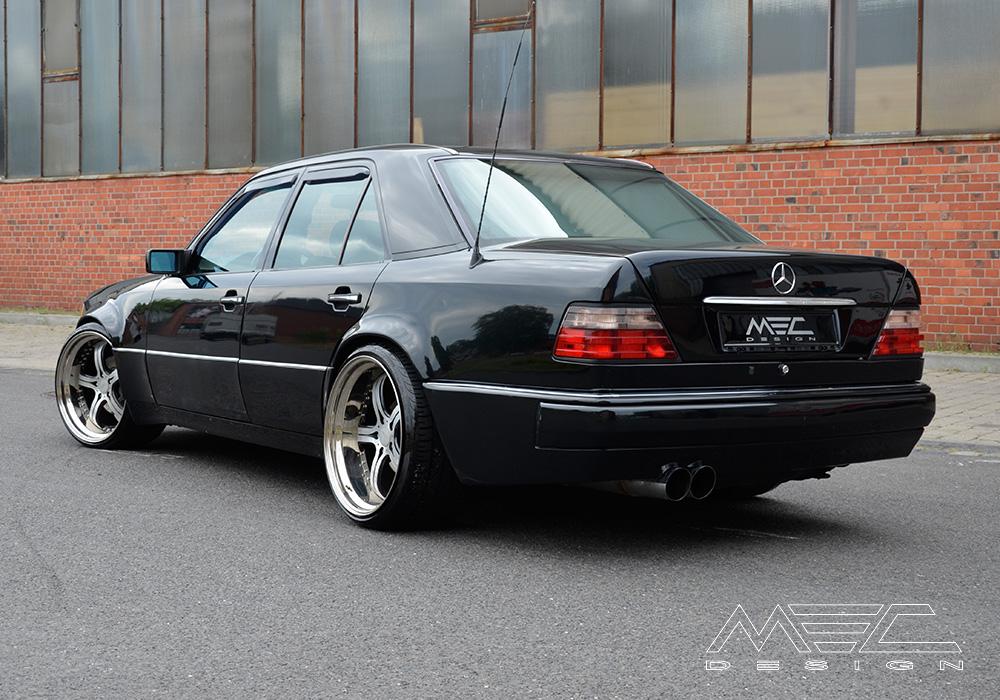 W124 e500 with mecxtreme3 three piece wheel mec design for Mercedes benz w124 tuning
