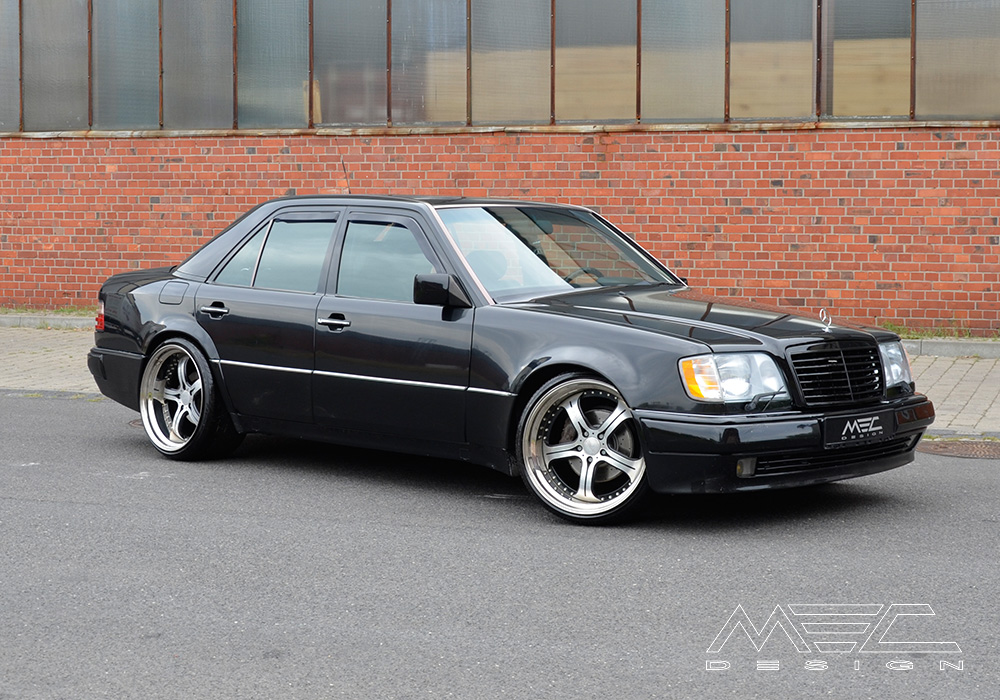 W124 E500 with mecxtreme3 three piece wheel - MEC Design
